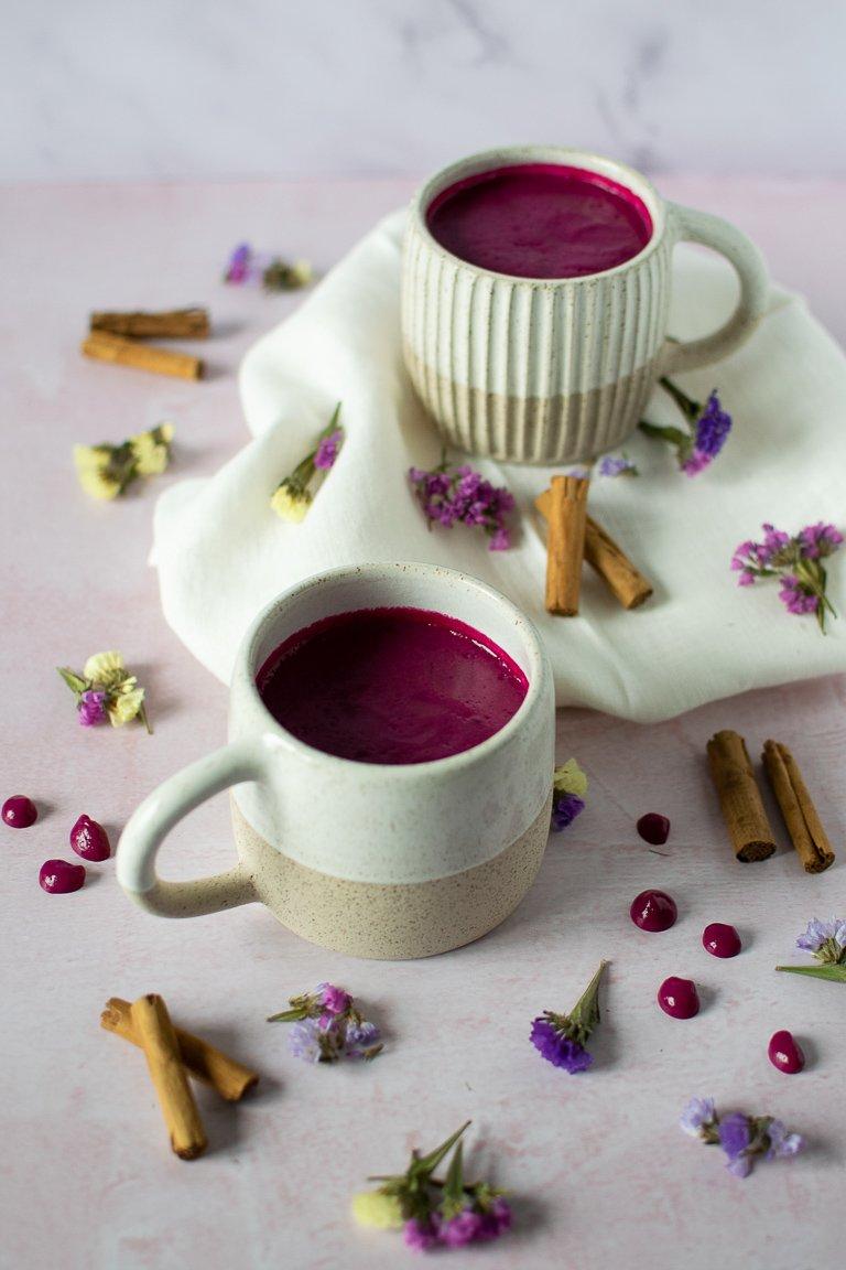 Latte Rosa di Barbabietola, buono caldo ed energizzante.