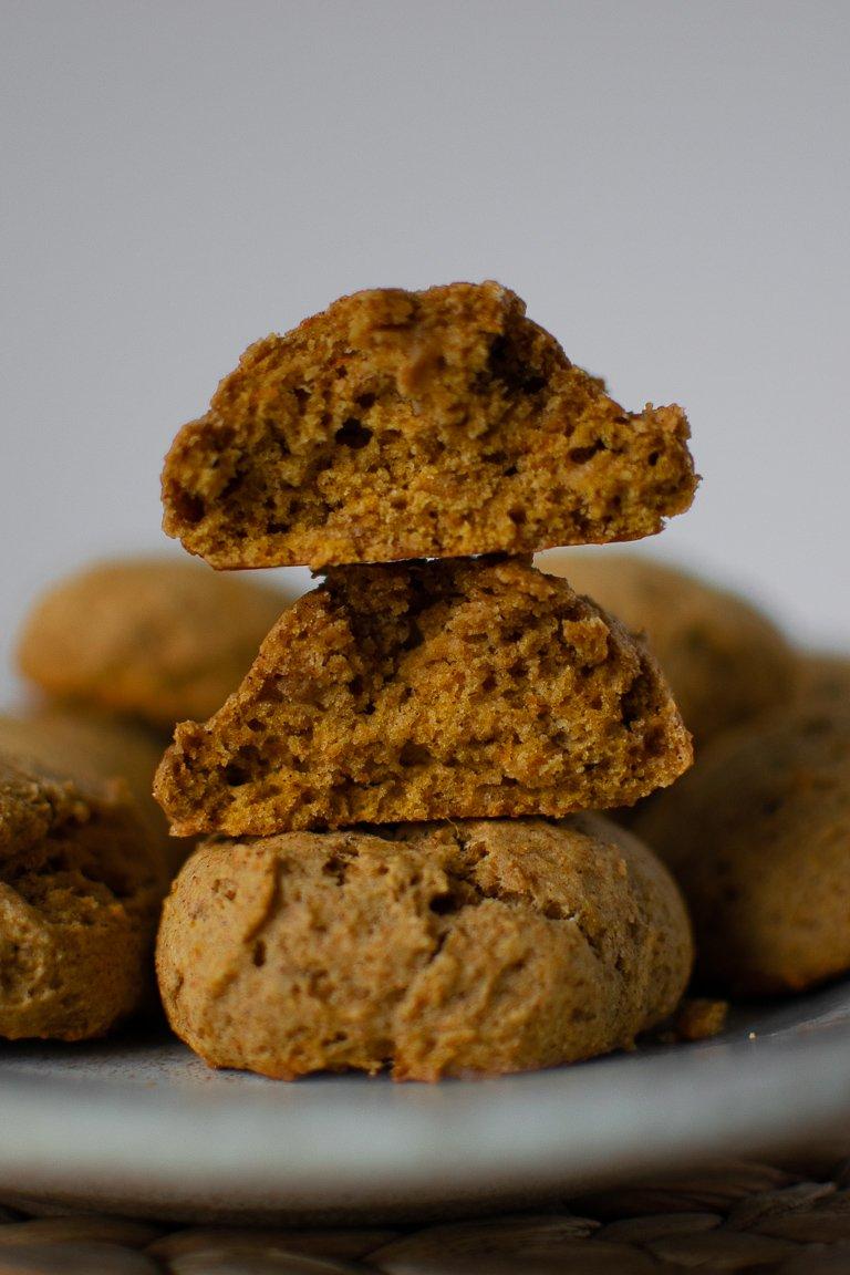 Biscottoni Morbidi alla Zucca, perfetti a colazione da inzuppare nel latte caldo